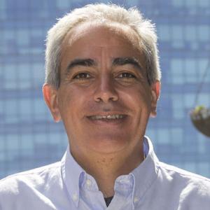 Prof. Julio Elías